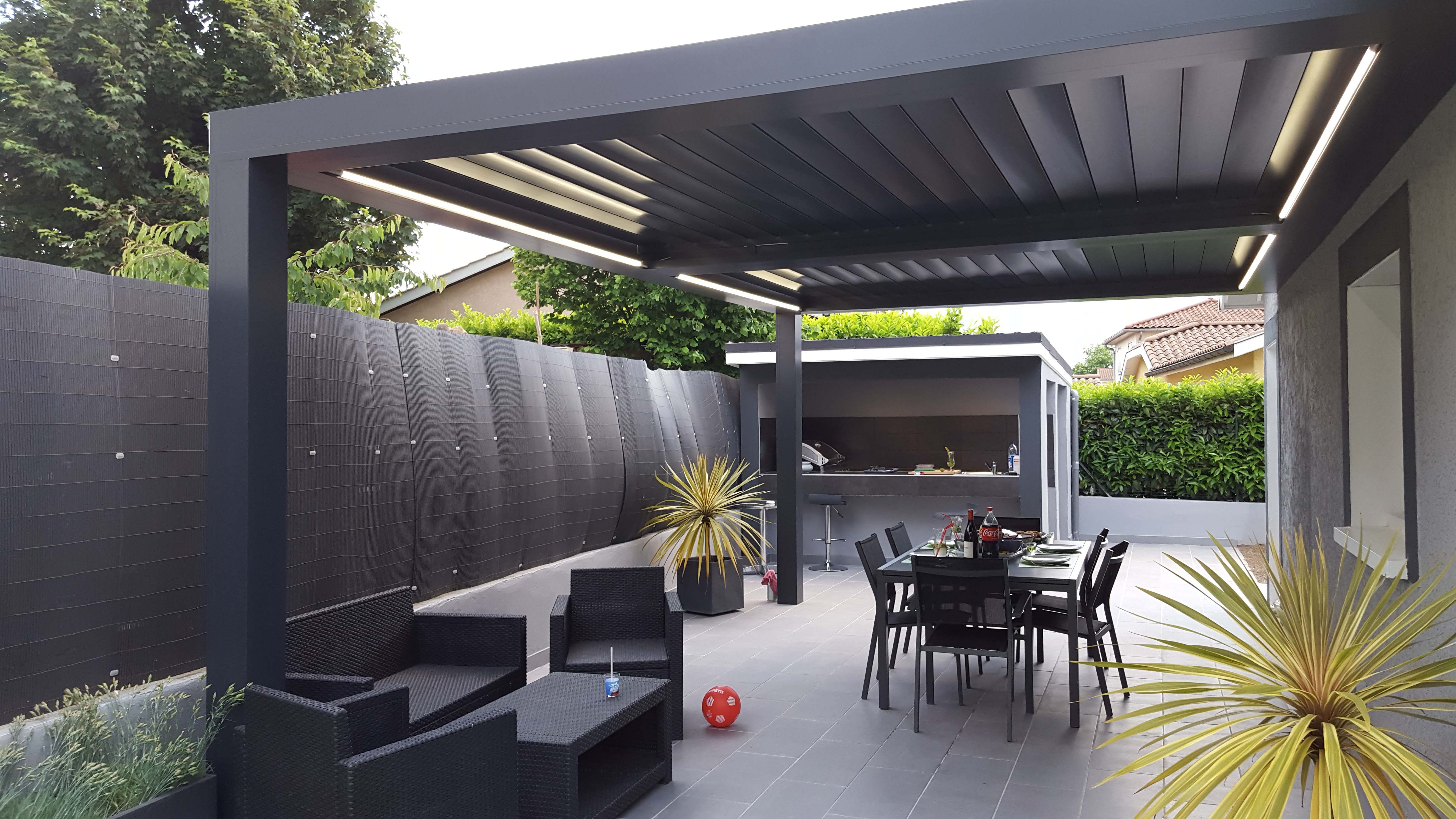 pergola bioclimatique pergola alu lames orientables. Black Bedroom Furniture Sets. Home Design Ideas