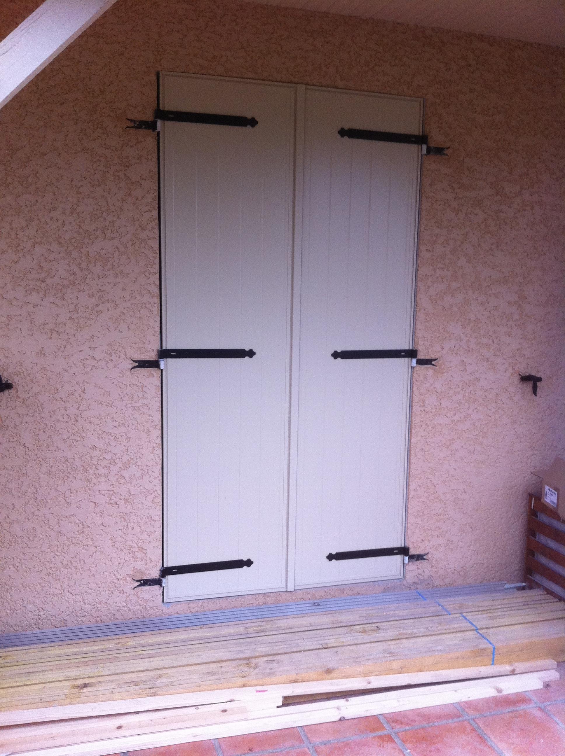 volets battants isol s en aluminium tr voux menuiserie plus. Black Bedroom Furniture Sets. Home Design Ideas